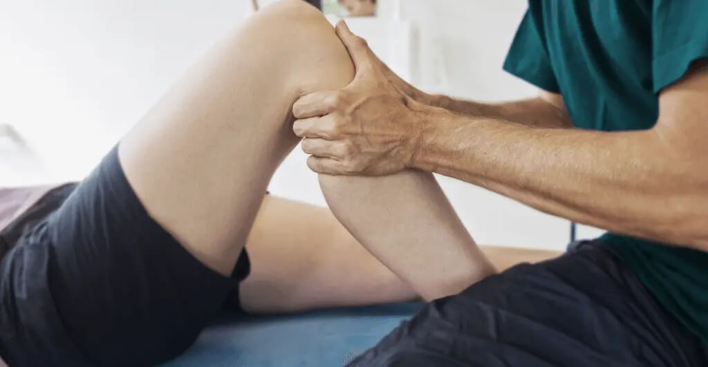 knee pain treatment at Oceanside Chiropractor